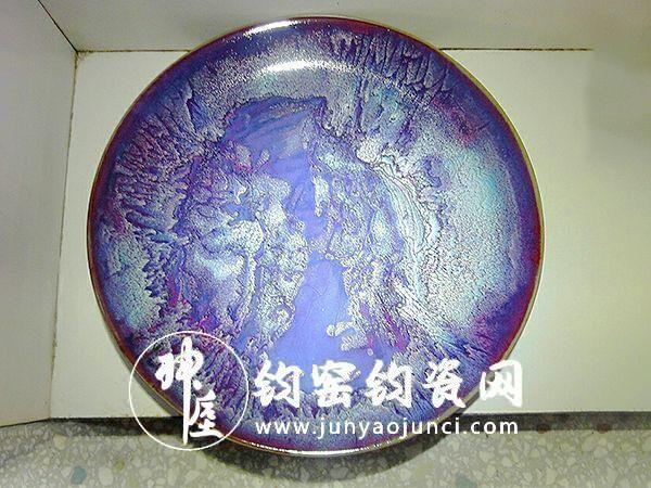 钧瓷具有独特的民族风格和独树一帜的艺术