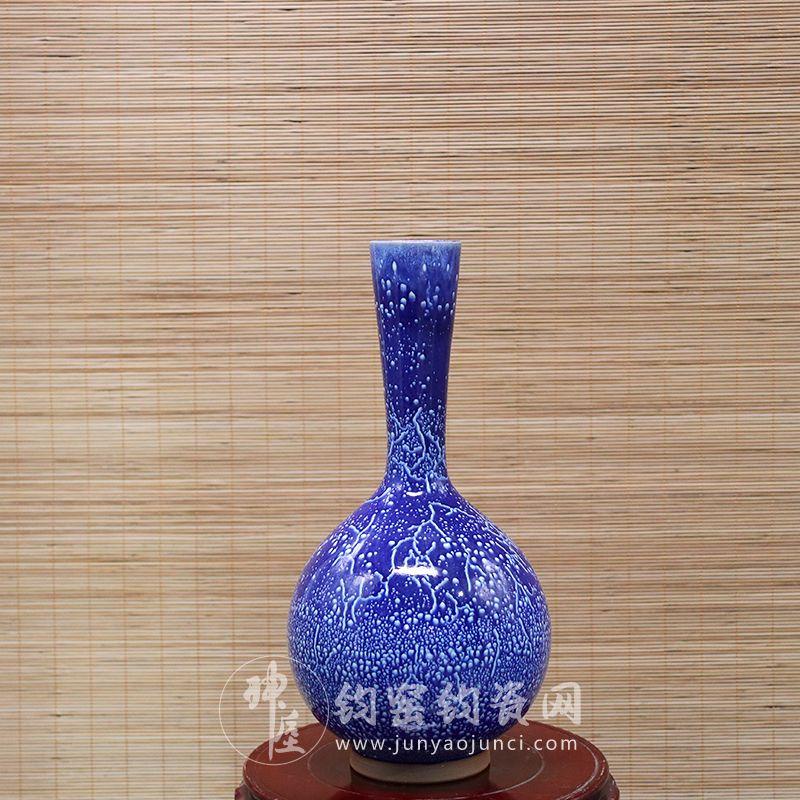 手拉坯鹅颈瓶